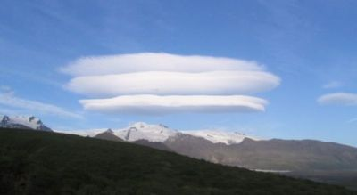 Lenticular clouds above the Skaftafell gletscher in Iceland