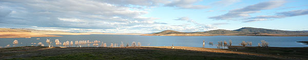 The depleted waters of Lake Eucumbene, photographed June 2007.