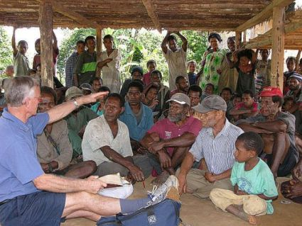Des Oatridge speaks in Binumarien on return visit in 2006, some 20 years after he and Jenny completed their translation and left the village.
